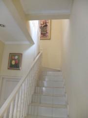 Tangga menuju lantai atas